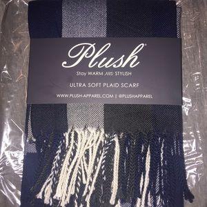 Soft plaid scarf